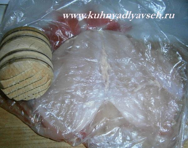 куриная грудка с грибами запеченная в тесте
