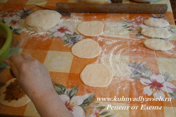 пирожки с тушеной капустой жпреные