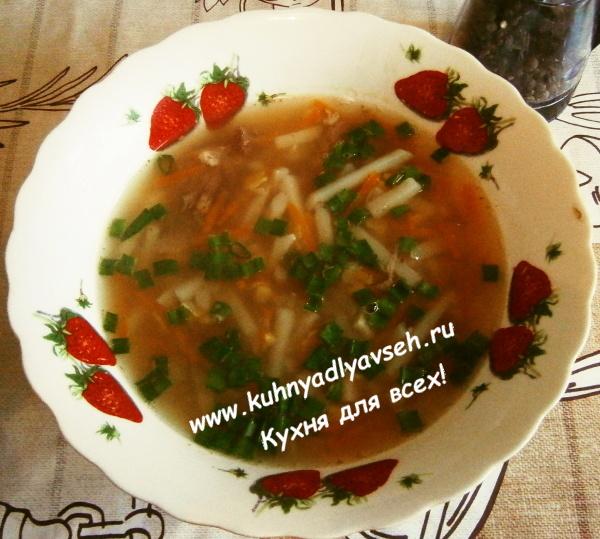 суп гороховый с тушёнкой