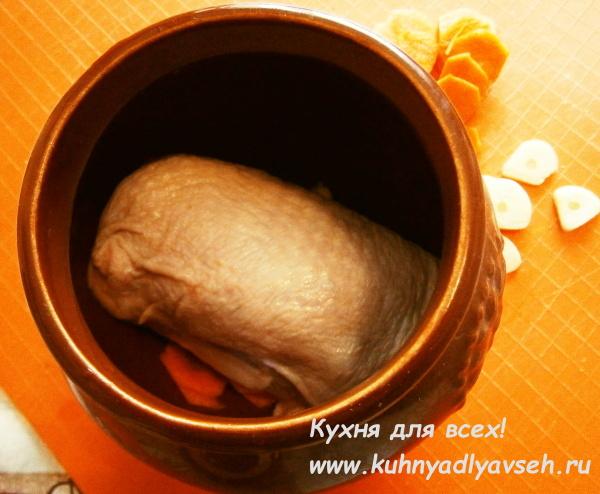 Курица с пшеном в горшочке