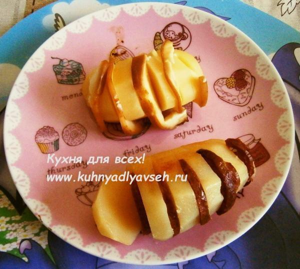 Картофель запечённый с колбасой и сыром