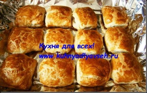 sloyki-s-kolbasoy-v-duhovke
