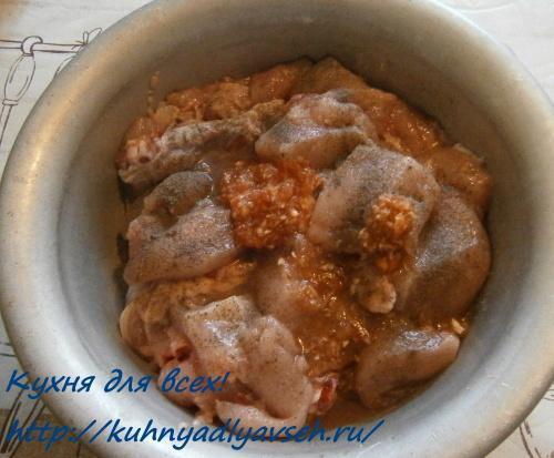 Курица в томатно-сметанном соусе в мультиварке