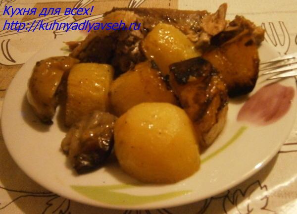 Утка с яблоками и картофелем в рукаве